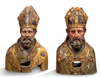 PAIRE DE BUSTES RELIQUAIRES en bois sculpté,...
