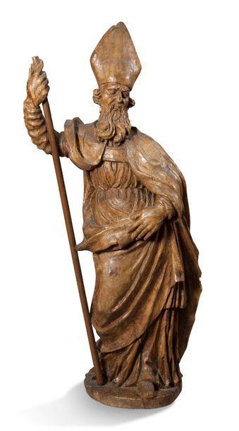 STATUE D'ÉVÊQUE en bois naturel sculpté XVIIe...