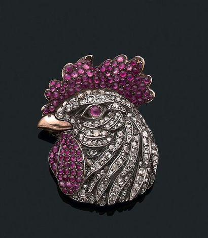 """Broche """"coq"""" Diamants taillés en rose et rubis, or 18k (750) et argent ( Travail..."""