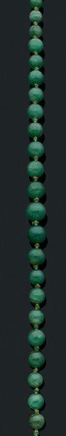 Collier de perles Jade type épinard. Pb.:56.3gr...