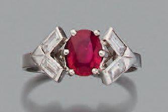 Bague Rubis et diamants navettes, platine...