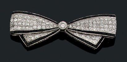 Broche «noeud» Diamants de taille ancienne,...