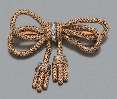 Broche «noeud» Or tressé 18k (750) diamants...