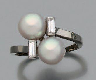 Bague perles de culture, diamants baguettes,...