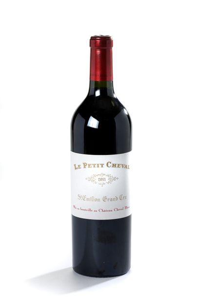 1 blle Le Petit Cheval - 2011 - Saint Emilion...