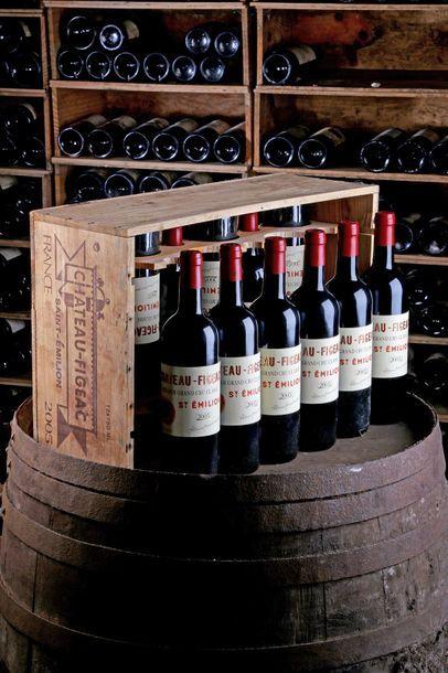 12 blles Château Figeac - 2005 - Saint-Emilion...