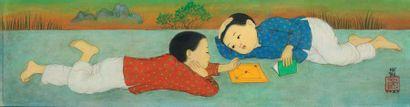 MAI TRUNG THU 梅忠恕 (1906-1980) Deux enfants couchés, 1973 Encre et couleurs sur soie,...