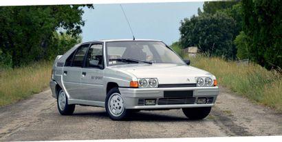 1985 - CITROËN BX SPORT Seulement 42 500 km Très bon état de conservation Une sportive...