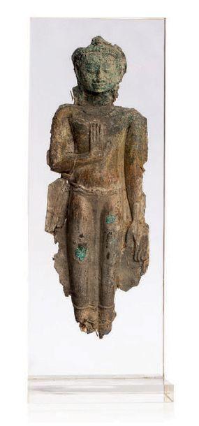 SIAM, AYUTTHAYA XVI-XVIIE SIÈCLE Elément de stèle en cuivre de belle patine, représentant...