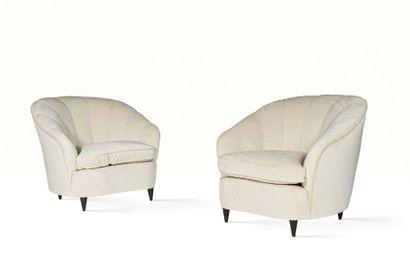 Gio PONTI (1891-1979) Paire de fauteuils Bois, velours 78 x 90 x 90 cm. Casa e Giardino,...