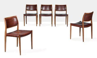 NIELS OTTO MOLLER (1920-1982) Suite de 5 chaises dites 80 Palissandre, cuir 77 x...