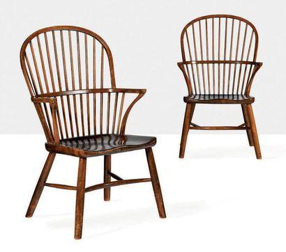 PALLE SUENSON (1904-1987) Paire de chaises dits Windsor Frêne 100 x 60 x 65 cm. Fritz...