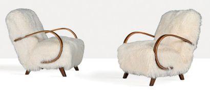 JINDRICH HALABALA (1903-1978) Paire de fauteuils Peau, hêtre 87 x 65 x 78 cm. UP...