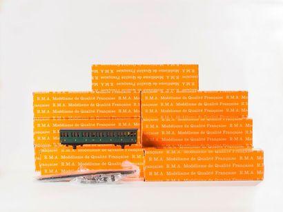 RMA: 11 boites de voitures à construire PO MIDI, réf. 1803 – 1805 – 1809 – 1808...