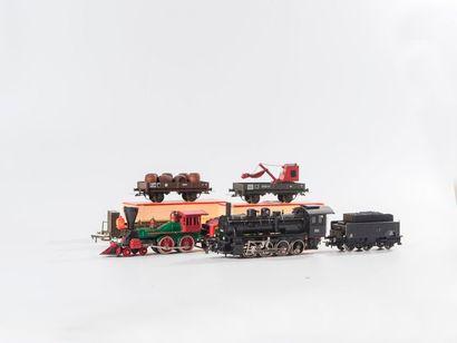VB – PIKO et divers : Lot de matériel ferroviaire: 2 voitures voyageurs et fourgon...