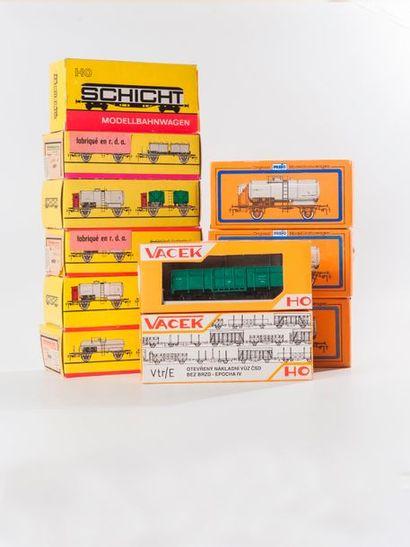 SCHICHT – VACEK – PREFO: Lot de wagons marchandises divers dont citerne (20 p.)...