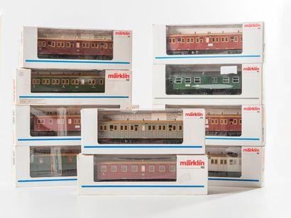 MARKLIN «HO»: 10 boites de voitures voyageurs,...