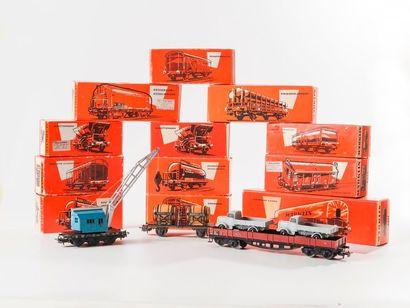MARKLIN «HO»: Wagons marchandises divers dont couvert – citerne – bi-foudre –...
