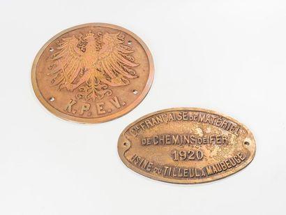 Trois plaques de locomotives: GENERAL AMERICAN...