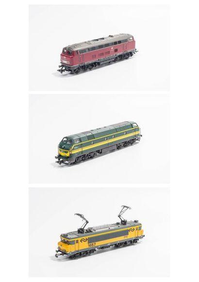 MARKLIN «HO»: Motrice série 55, de type CC, vert et jaune, réf. 3467 (bo).  -...