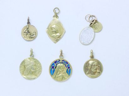 Lot en or 750 millièmes, composé de 6 médailles...