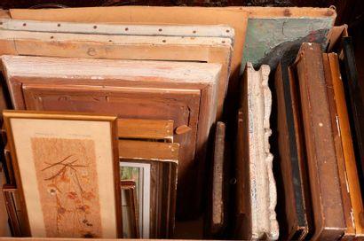 Lot de gravures, reproductions et pièces...