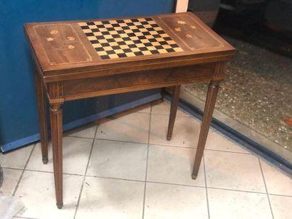 Table à jeux, plateau dépliant, marquetée...