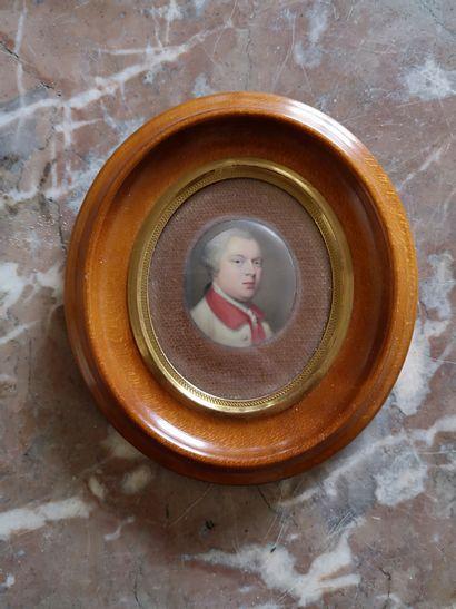 Ecole ANGLAISE vers 1800  Portrait d'homme...