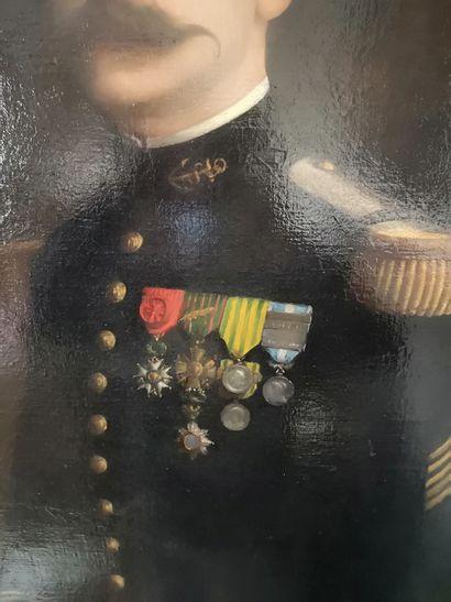 Ecole FRANCAISE vers 1900  Portrait d'officier de la Marin décoré de la Légion d'Honneur...