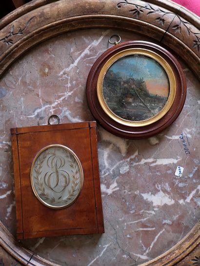 Ecole du XIXe.  Paysage peint sous verre....