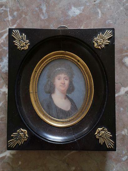Ecole FRANCAISE vers 1780  Portrait de femme...