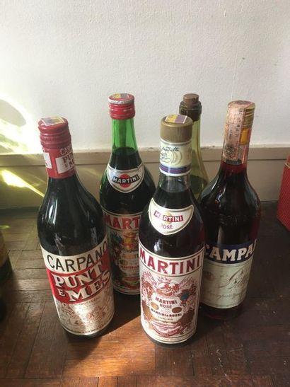Un lot d'alcool comprenant 1 bouteille Cognac...