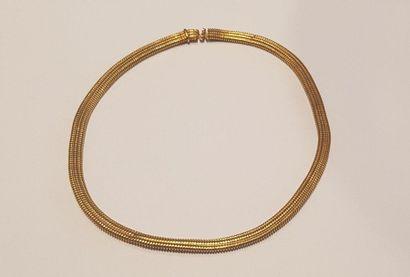 Collier en or jaune 750°/00, type tubogas....