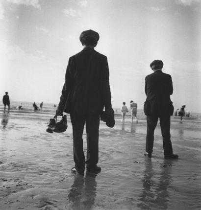 Roger SCHALL (1904-1995) Les congés payés, 1936.  Photographie, tirage argentique...