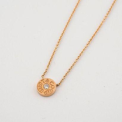 Tiffany & Co. Modèle Cercle T. Collier en or rose 18K (750°/00) centré d'un diamant...