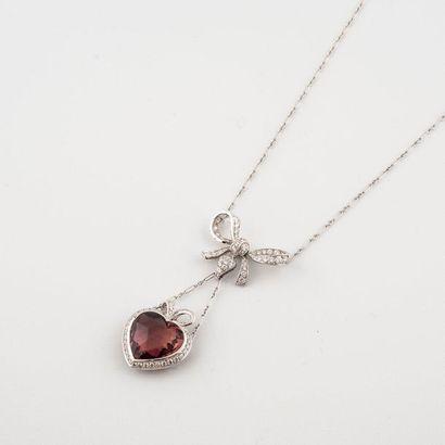 Christian Dior. Modèle Cœur Romantiques. Collier en or gris 750°/00 composé d'une...