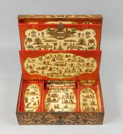 Coffret écritoire rectangulaire en bois laqué...