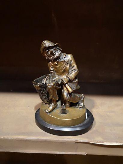 Bronze  Le mendiant  H. 15 cm