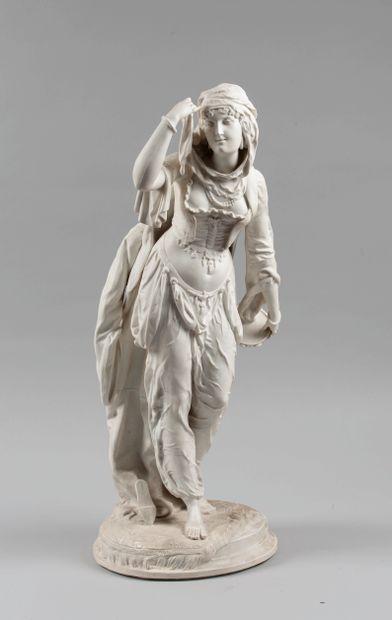 Sculpture en biscuit figurant une danseuse...
