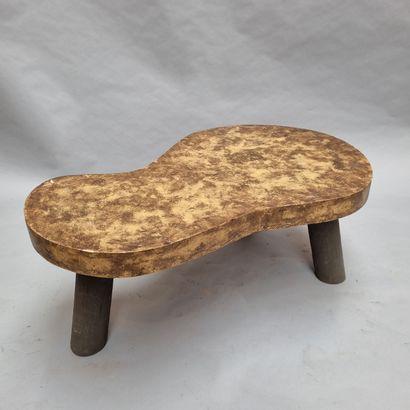Table basse librement inspiré de modelé de...