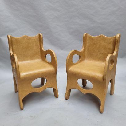 Paire de fauteuils de forme libre – modèle...
