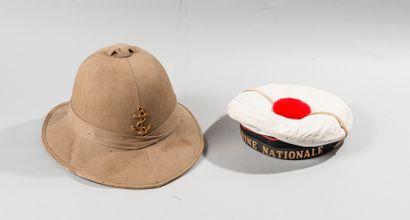 Casque colonial pour l'Infanterie de Marine....