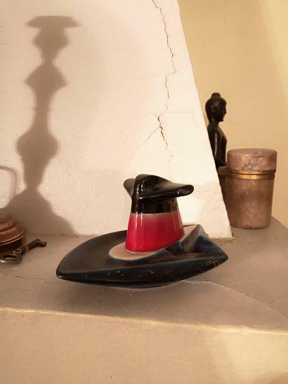 Cendrier en céramique du France formant une...