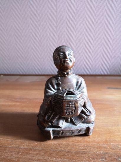 Mandarin en bronze, H : 11 cm. (petit ac...