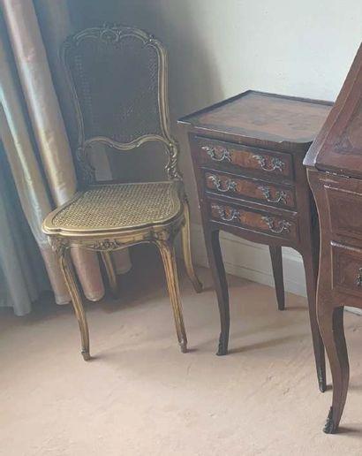 Paire de chaises en bois doré. Vers 1900...
