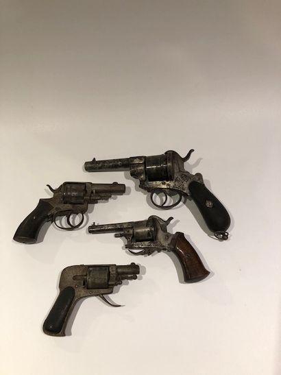Lot de 4 pistolets