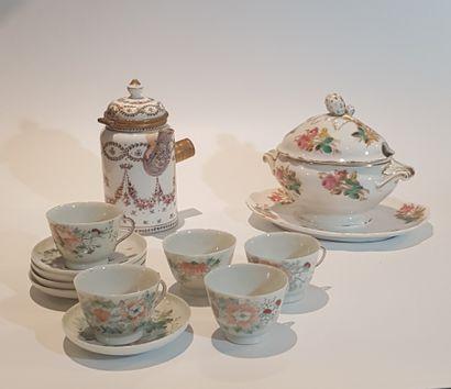 Lot de porcelaines diverses: porcelaines...
