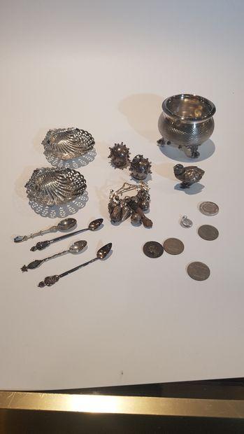 Lot en argent et métal argenté comprenant...