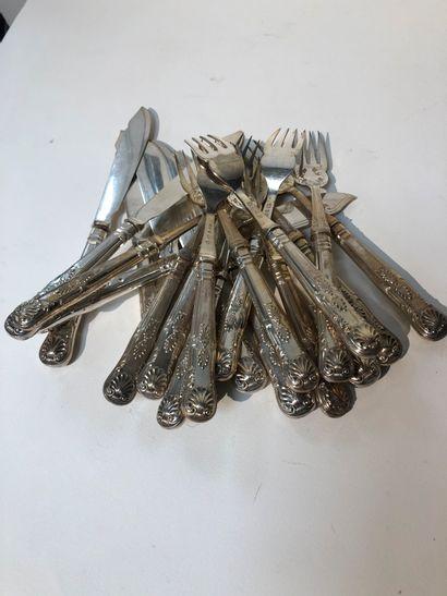 Partie de couverts à poisson, douze fourchettes...