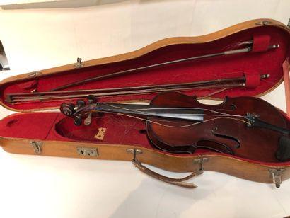 Violon Michelange Garini.  Long. : 37 cm...
